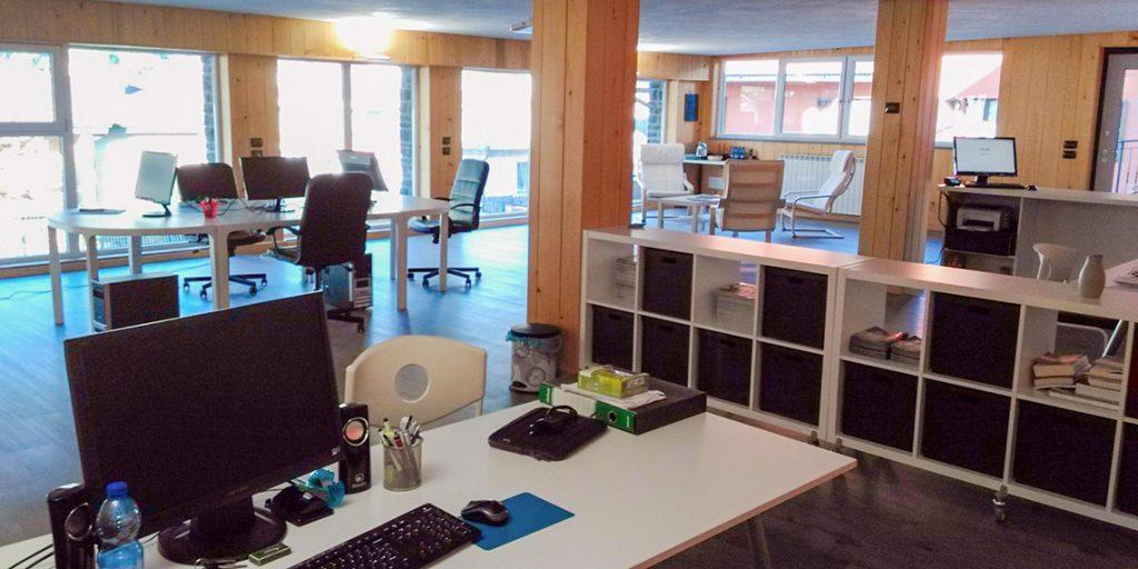 Foto sede DingoLab vista scrivania